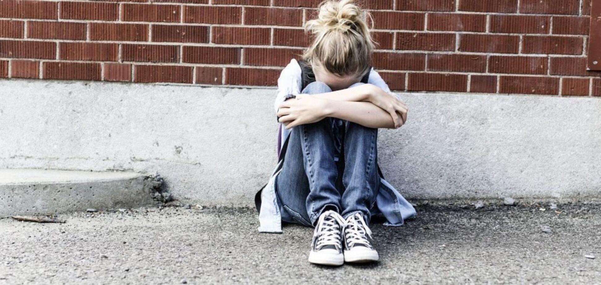 На Одесщине подростки избили 14-летнюю девочку. Видео