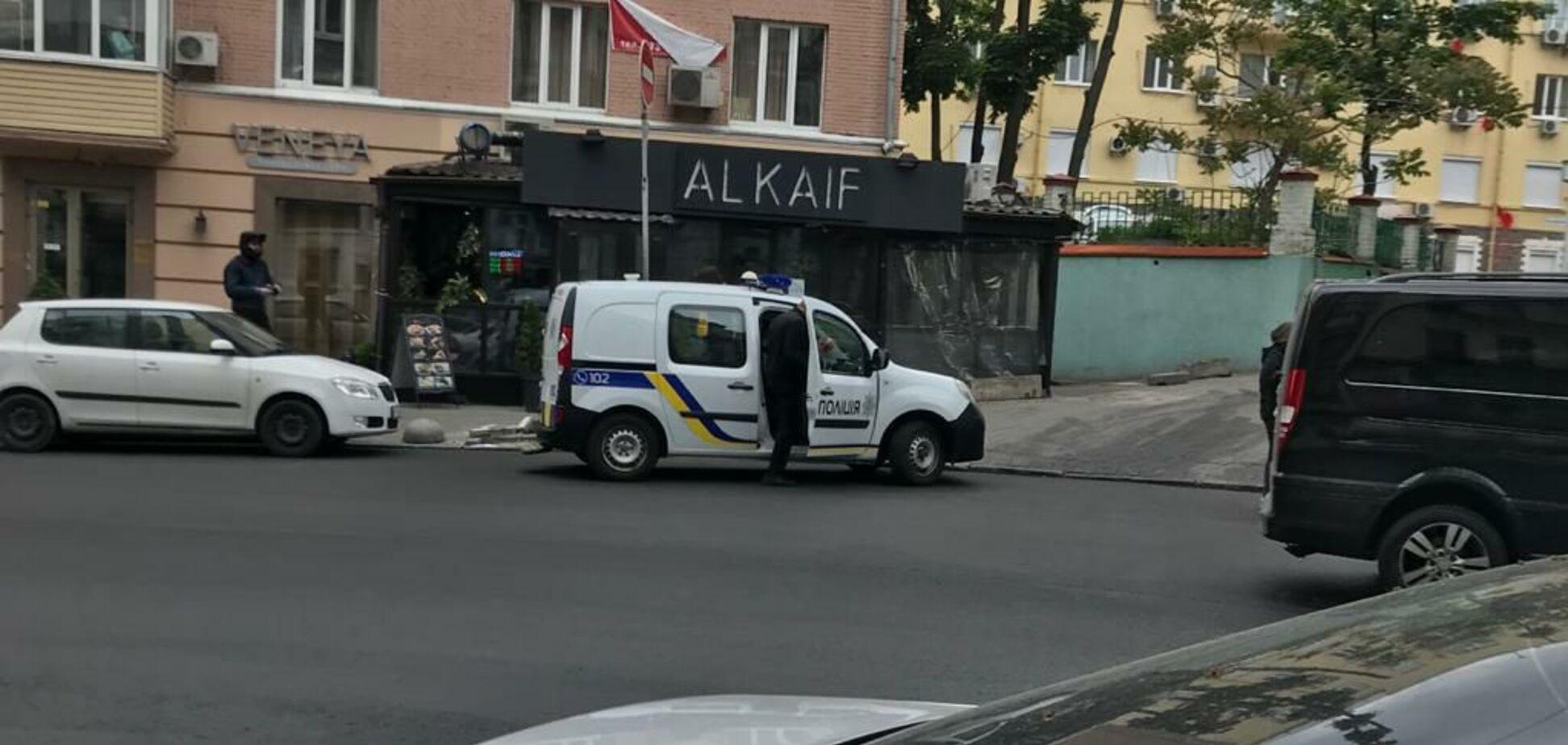 У Києві відбулися сутички біля офісу Медведчука: 17 затриманих