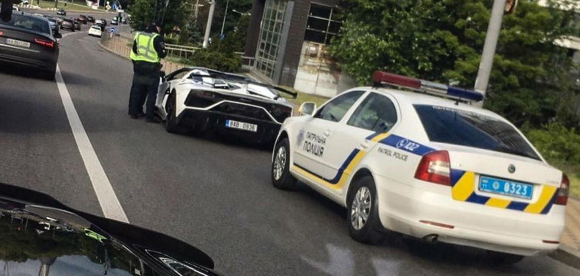 В Киеве полиция остановила авто на еврономерах за 650 000 евро
