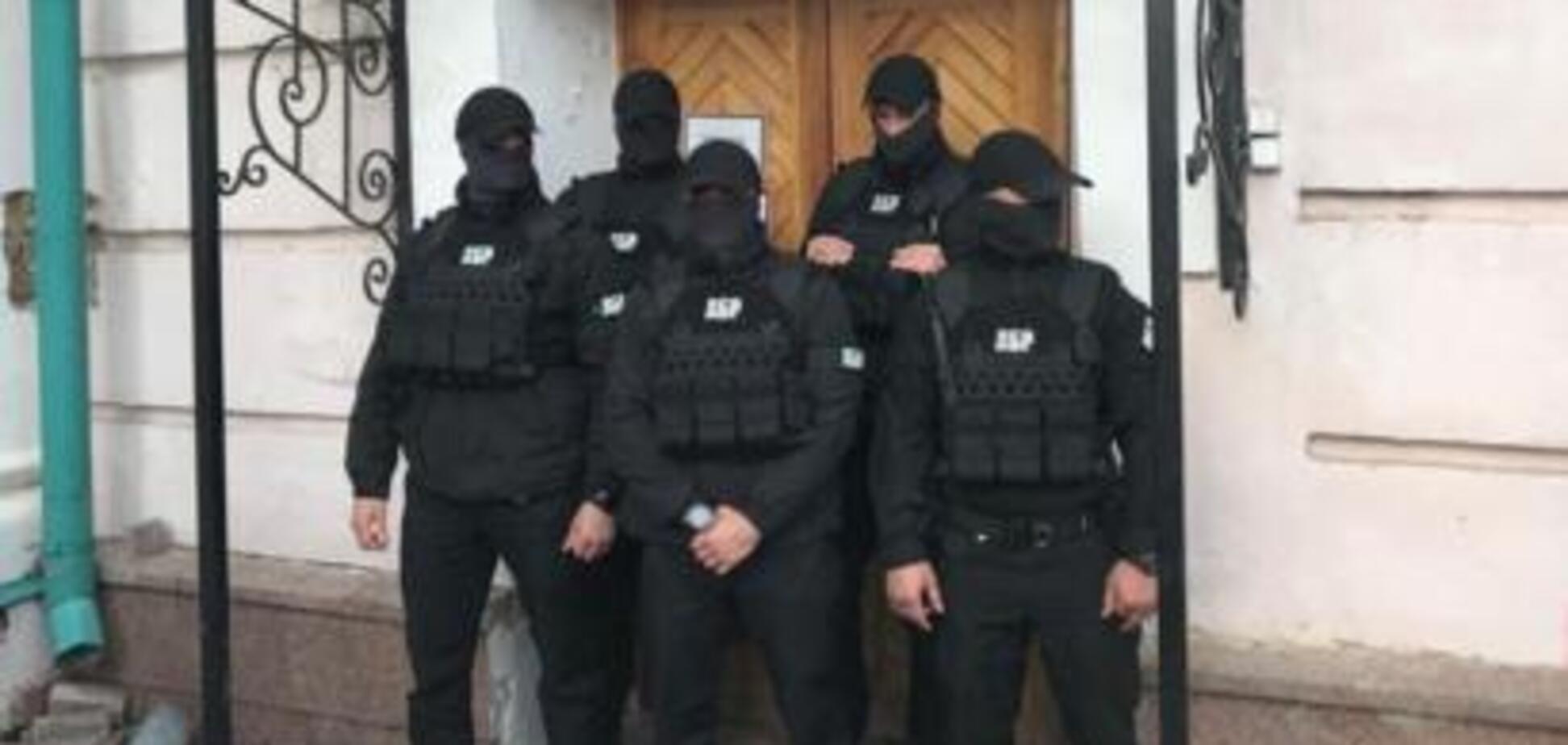 'Європейська Солідарність' офіційно заявила про розбійний напад ДБР на Музей Гончара