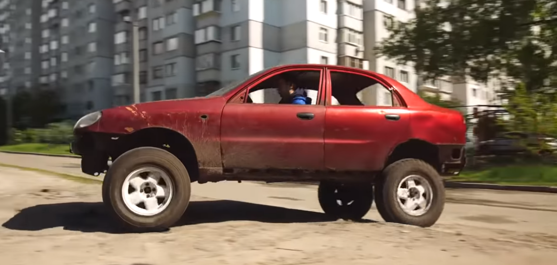 Ланос за $1000 перетворили на ідеальне авто для українських доріг