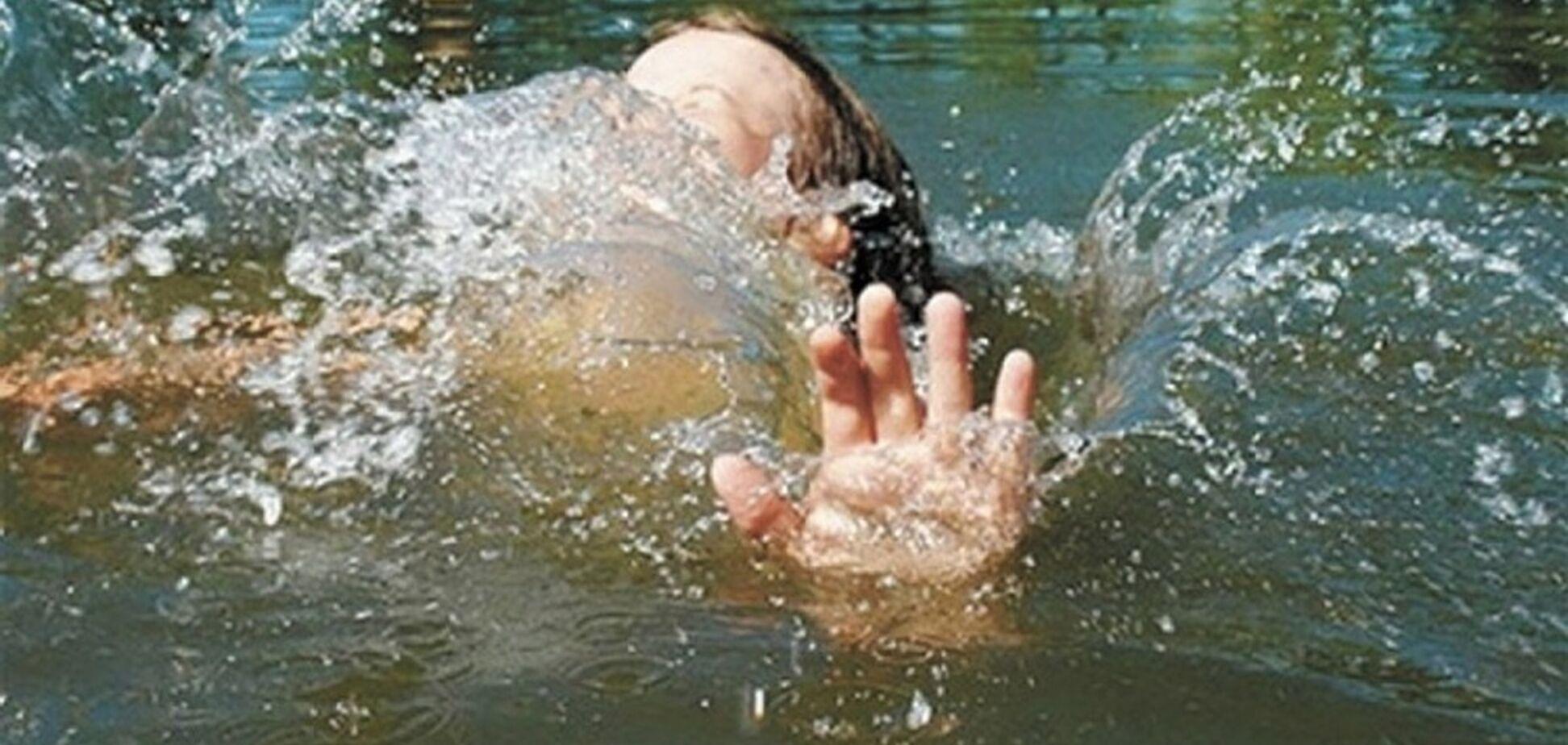 В Одесі впала в басейн і після тривалої коми померла дворічна дівчинка