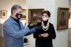 Порошенко предупредил о наступлении на все украинское и патриотическое в стране
