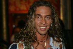 Тарзан несподівано висловився після своїх скарг на безгрошів'я