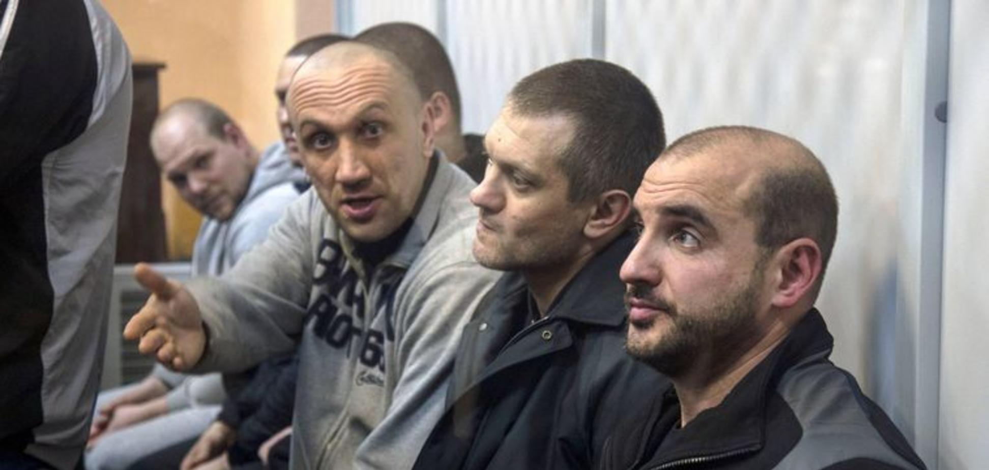 Суд отпустил четверых подозреваемых в убийстве ветерана АТО 'Сармата'