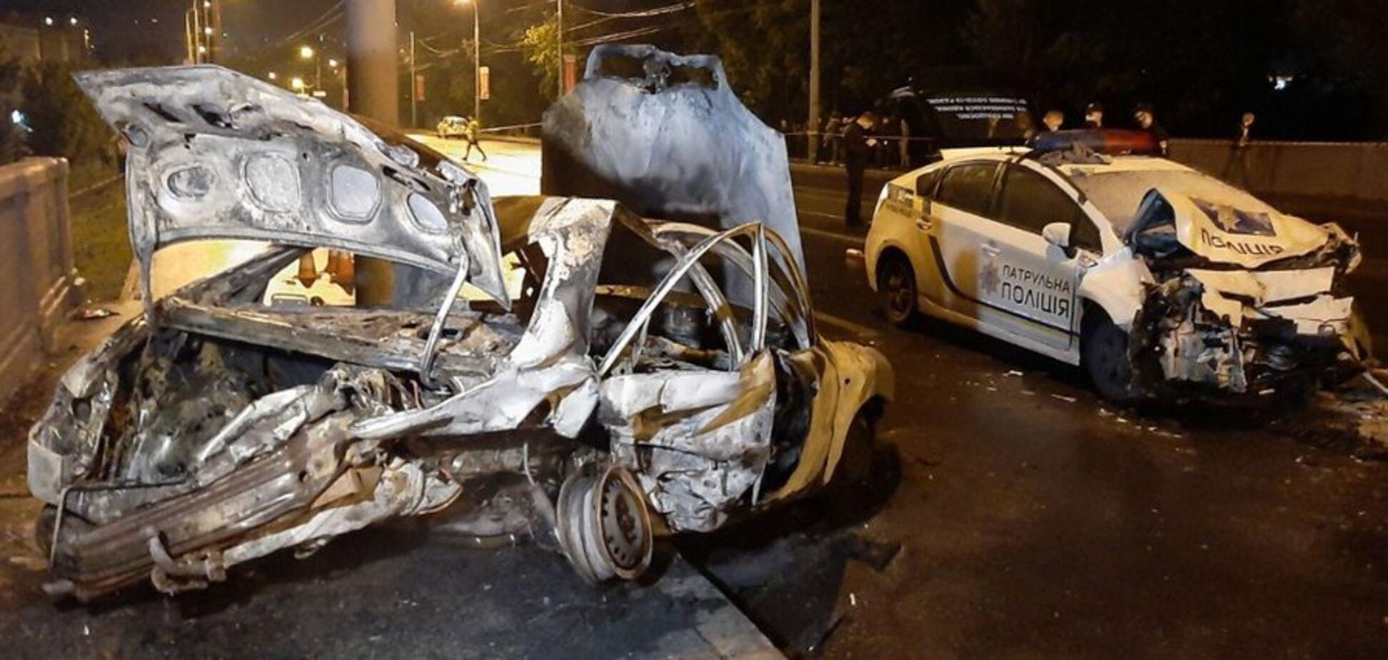 У Харкові люди згоріли заживо в машині через ДТП. Фото та відео