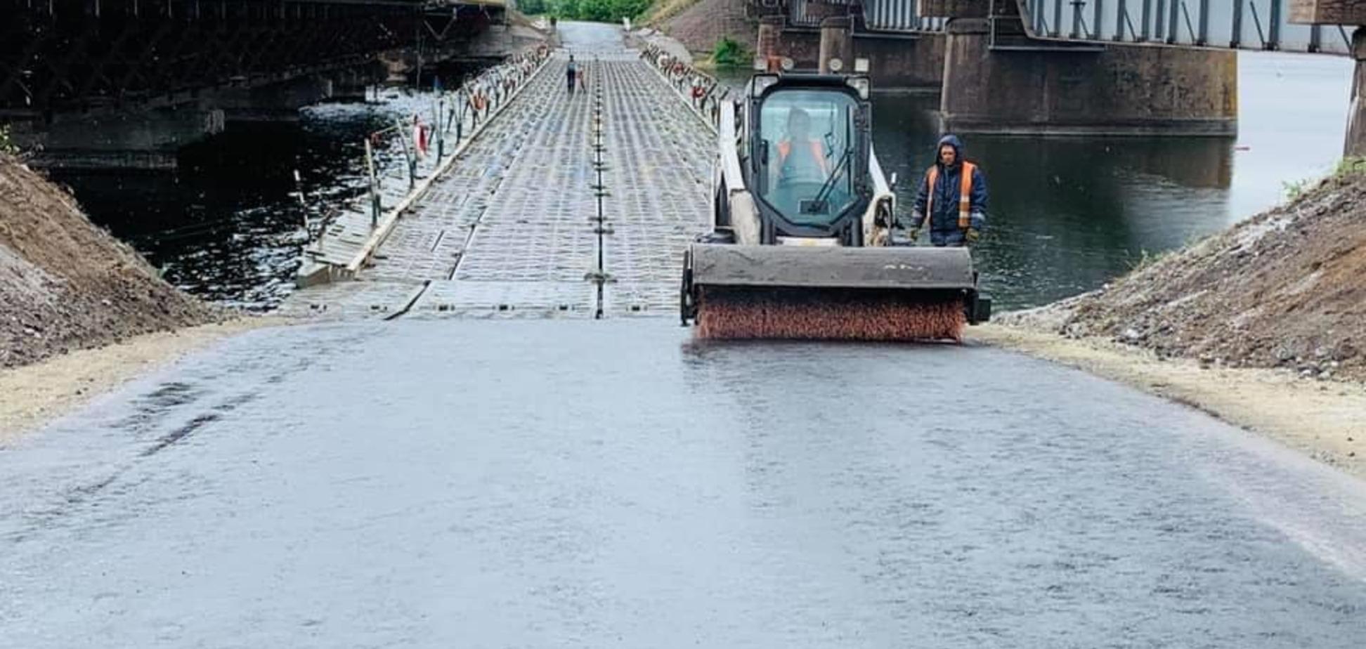Обрушение моста под Днепром: стало известно, когда восстановят движение на возведенном понтоне