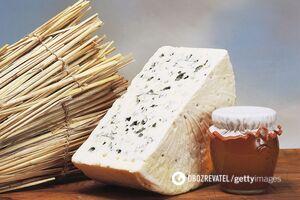 Медики сообщили, какой сыр вреден гипертоникам