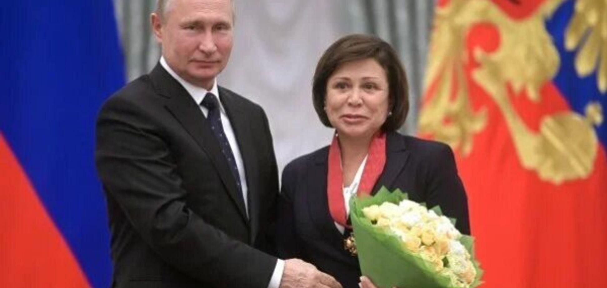 Роднина назвала просьбы россиян о помощи в кризис 'ненормальными стенаниями'