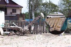 Погодный 'армагеддон' обрушился на Бердянск: сносило крыши, падали деревья. Фото и видео