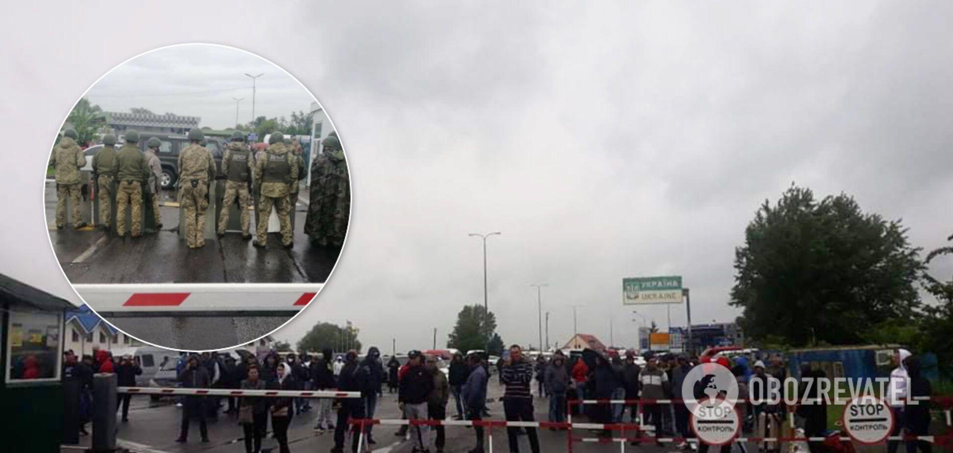 Блокировка КПП 'Тиса' на Закарпатье: чиновники урегулировали протесты