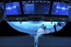Crew Dragon Маска доставил астронавтов на МКС. Историческое видео