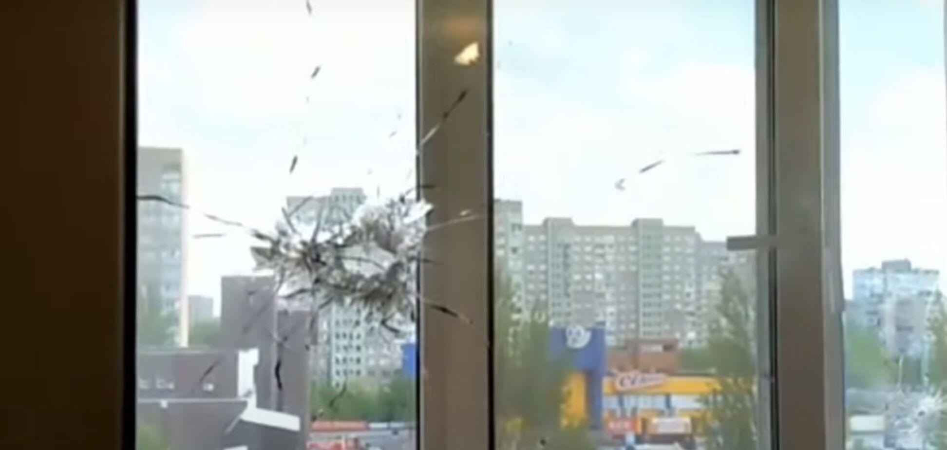 В Киеве на Троещине из автомата обстреляли рынок: пули попали в жилые дома. Фото и видео