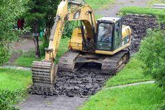 У КМДА розповіли, як проходить ремонт доріг у столичних дворах