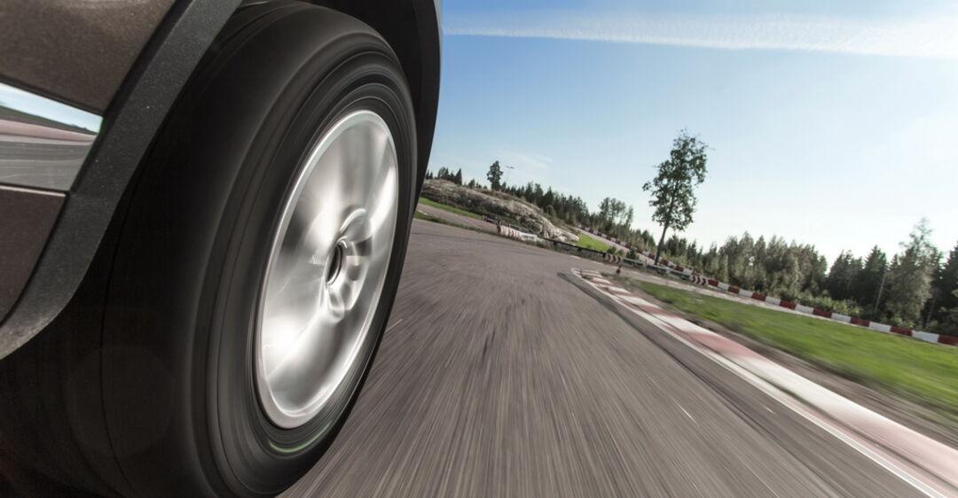 Неравномерный износ шин: в чем опасность и как его предотвратить