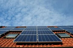 Украинцы установили солнечных панелей почти на 500 млн евро