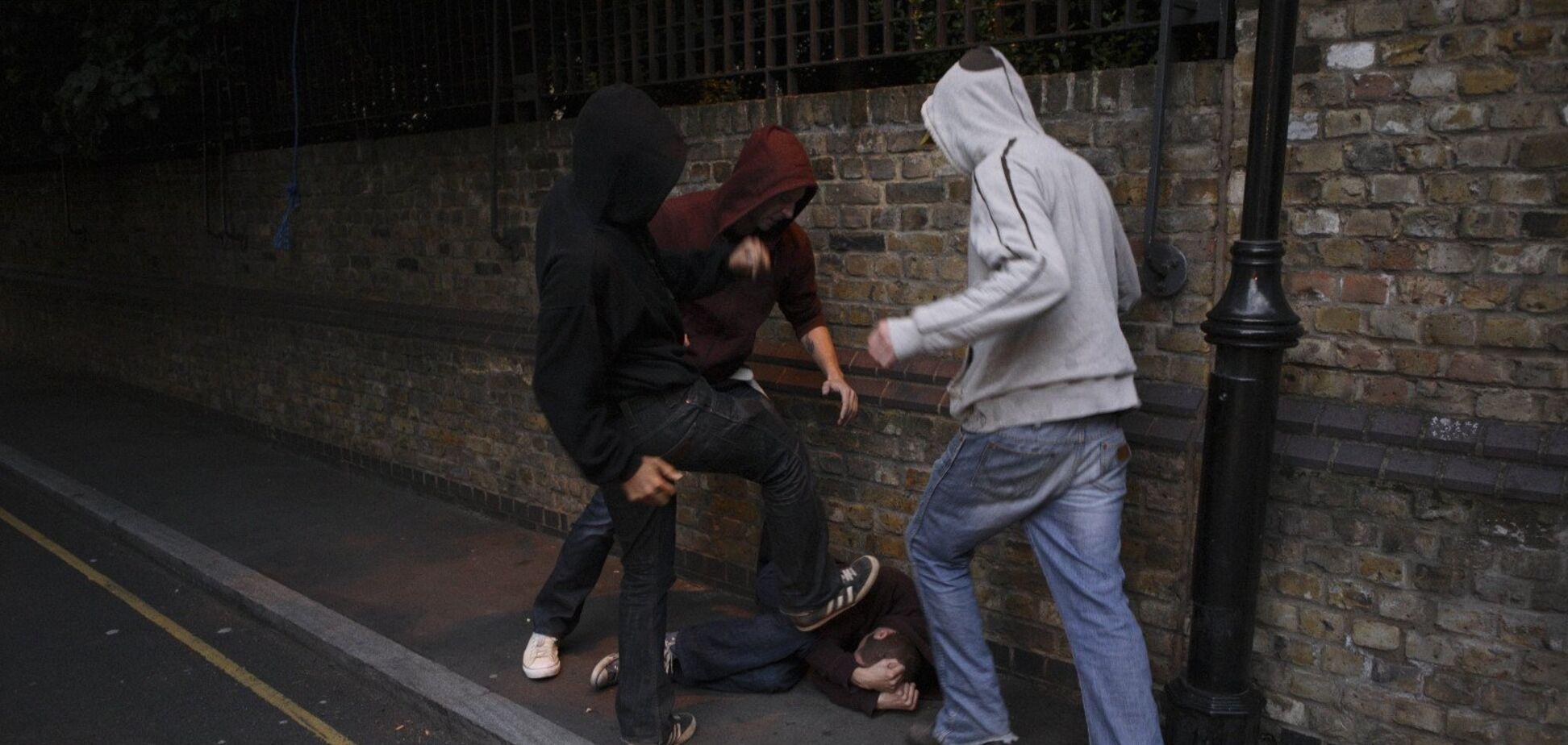 В Кривом Роге задержали мужчин, совершивших разбойное нападение посреди улицы