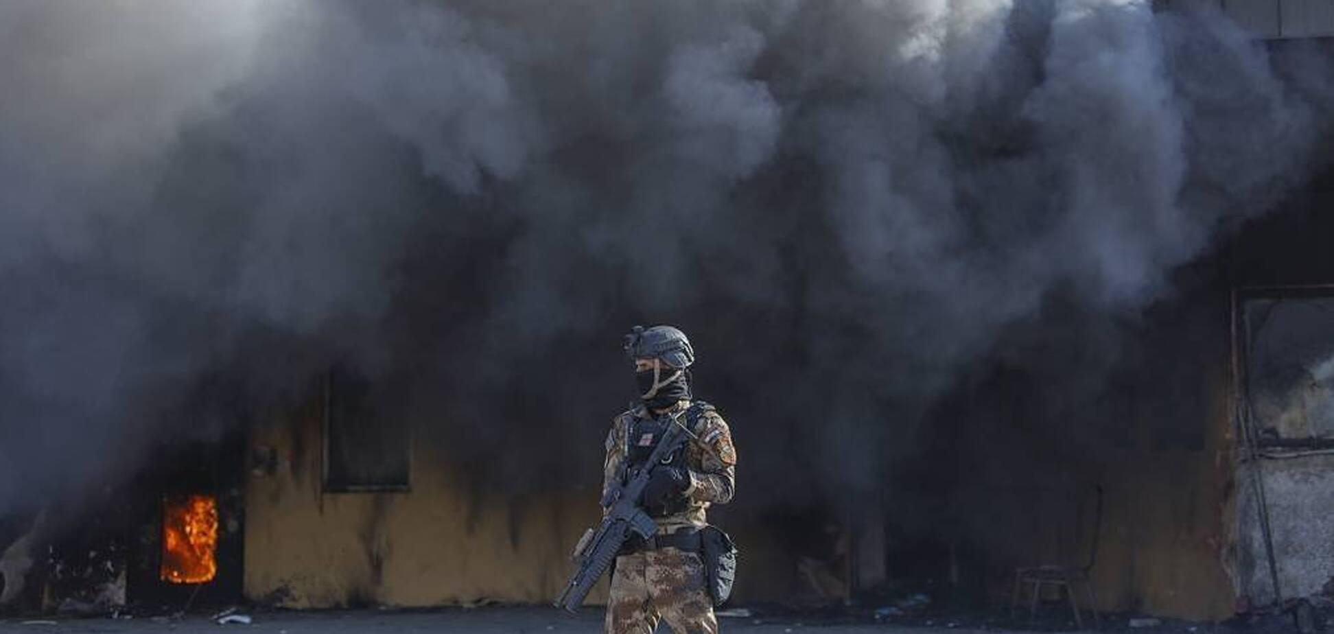 В Багдаде рядом с посольством США упала ракета