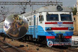 'Укрзалізниці' указали на нарушение в электричке Киев-Нежин: без масок в забитом вагоне