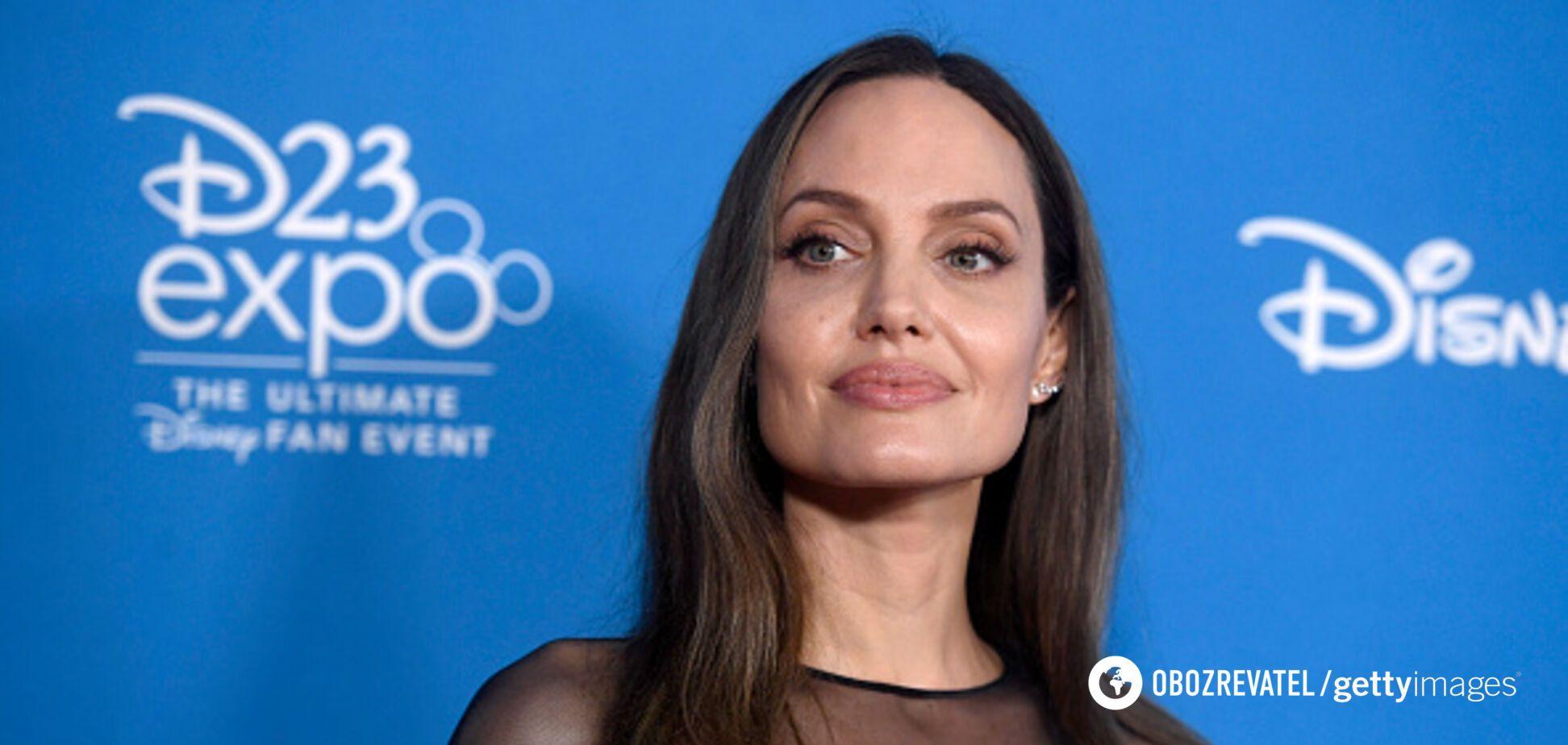 Джоли задумала отдать детей Питту: что случилось