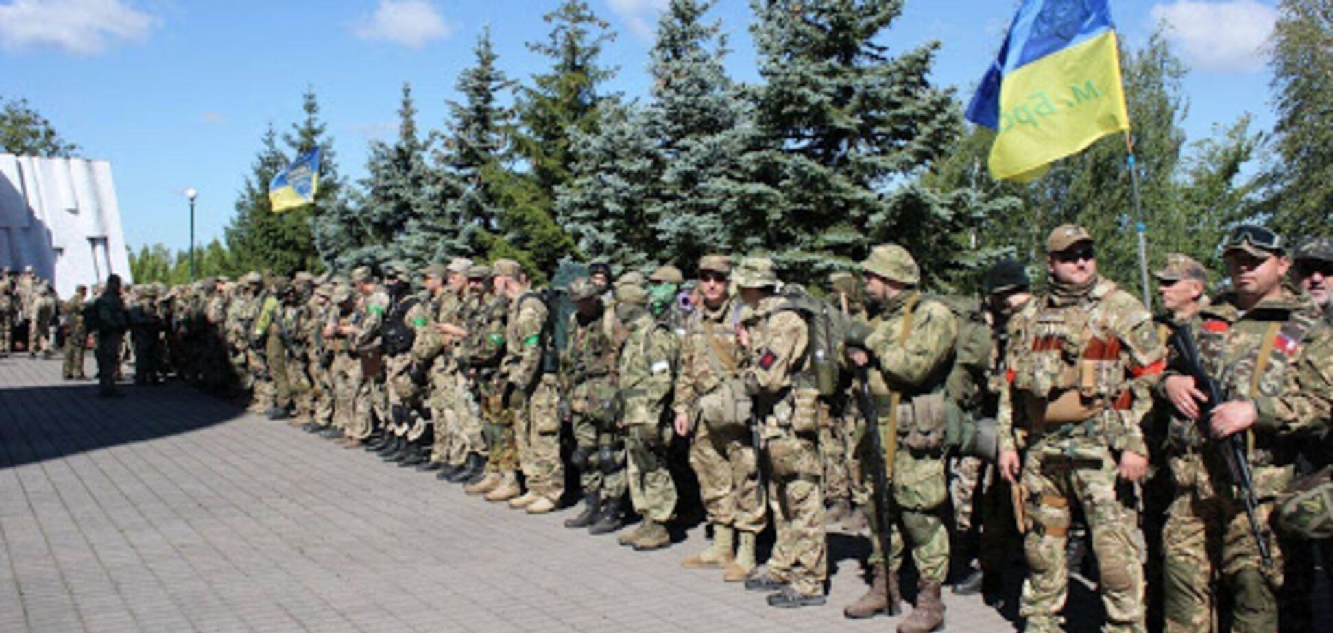 """Не приватна, не паралельна армія і не """"совєтська"""" тероборона. Добровольчі сили оборони України"""