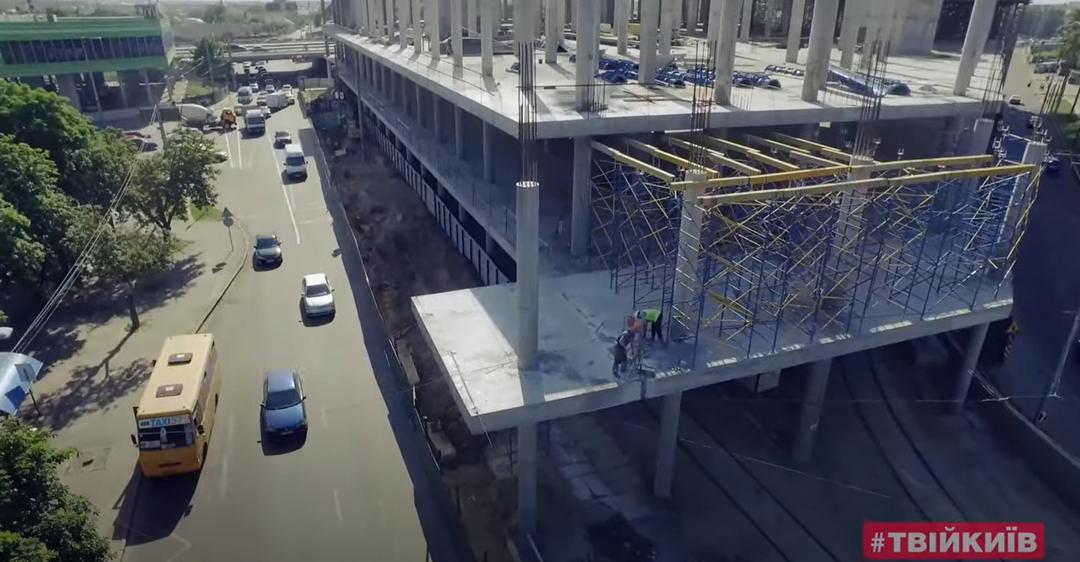 Кличко рассказал, как наказали застройщика за ТРЦ посреди дороги в Киеве. Иллюстрация