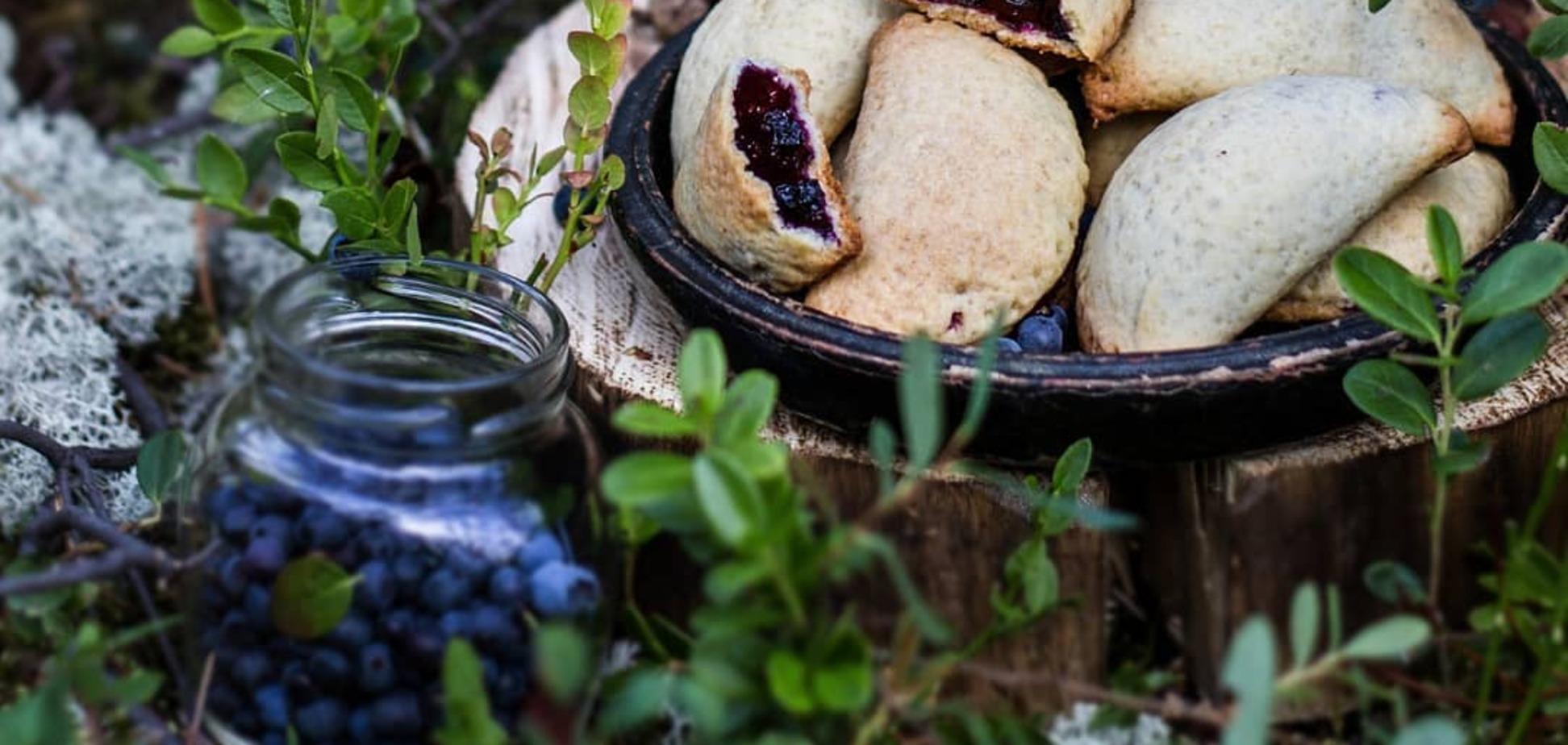 Пирожки из песочного теста с черникой: вкус леса