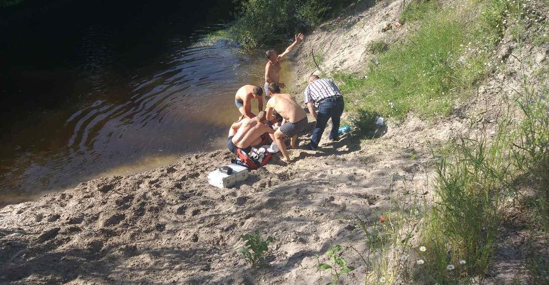На Днепропетровщине 9-летний мальчик утонул в реке на глазах отдыхающих