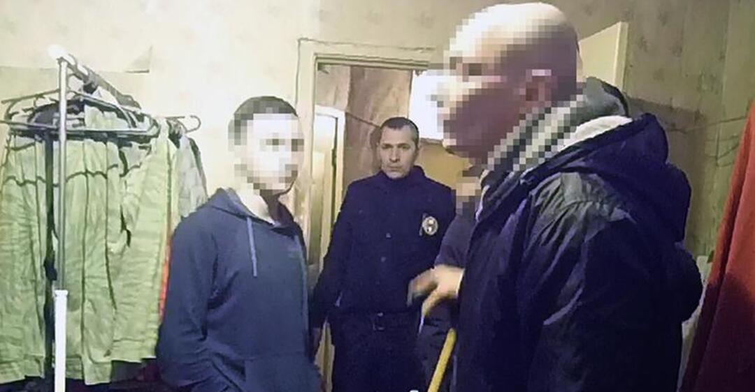 В Киеве задержали мужчину, который развращал несовершеннолетних
