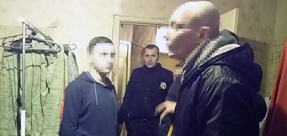 У Києві затримали чоловіка, який розбещував неповнолітніх