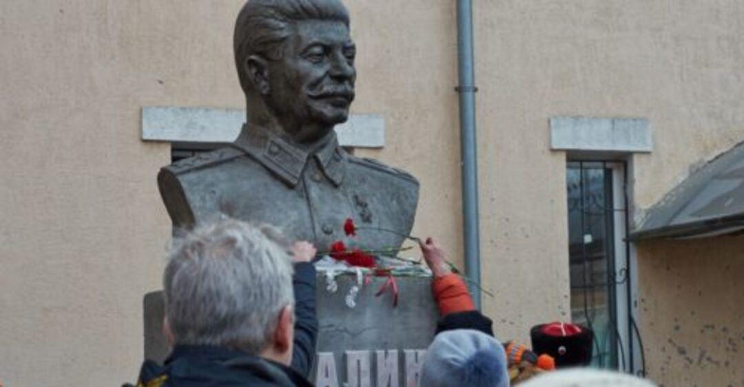 Почему жители Донбасса смеются над нами