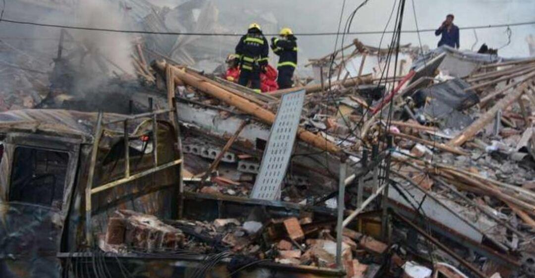 В Китае взорвался бензовоз и пролетел над домами: 19 погибших, более сотни пострадавших. Фото и видео 18+