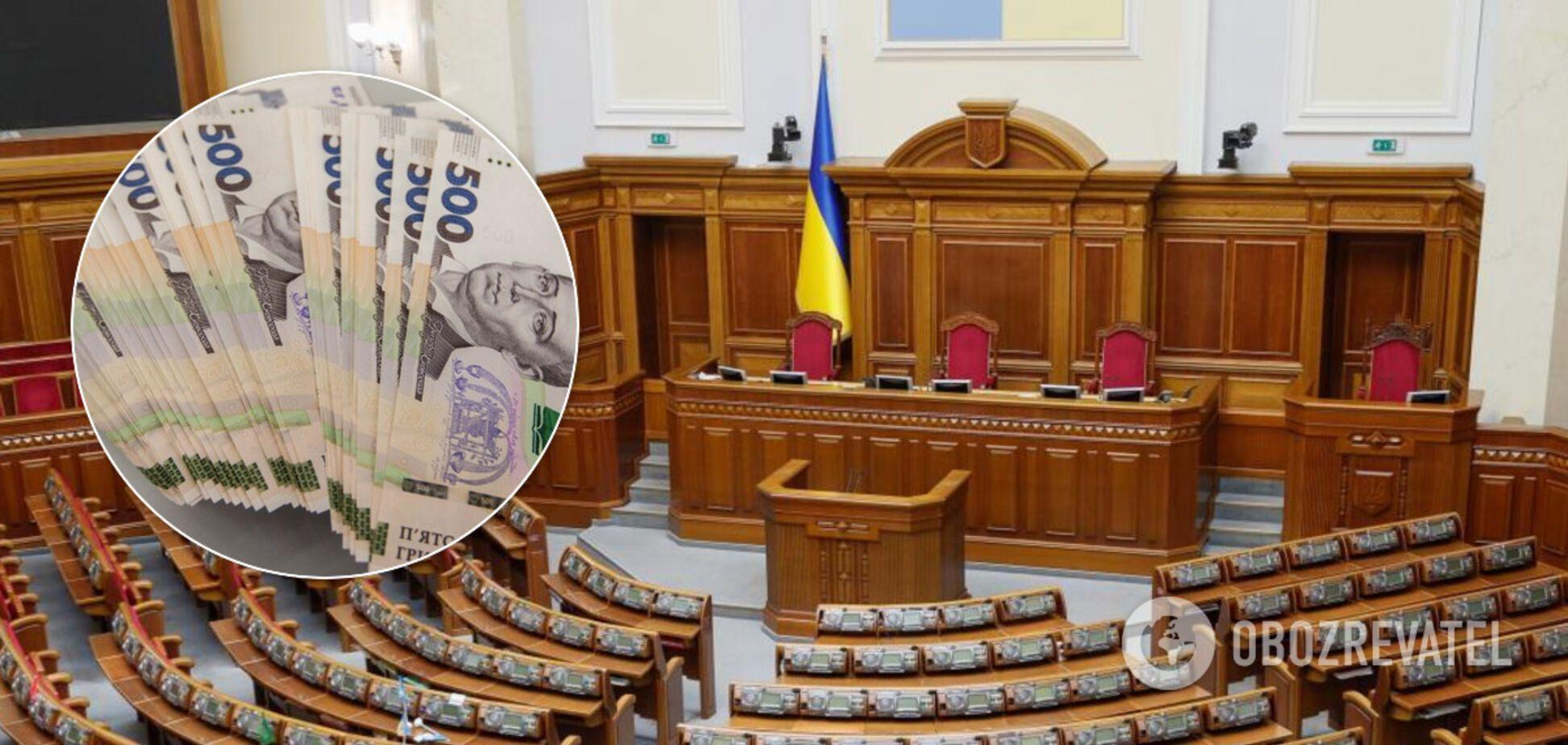 Украинский нардеп рассказал, сколько зарабатывает в Раде