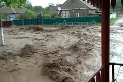 На Одесщине после дождя затопило город и села: видео катастрофы