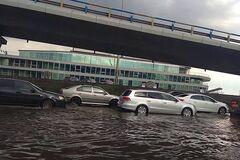 Центр Киева 'ушел' под воду