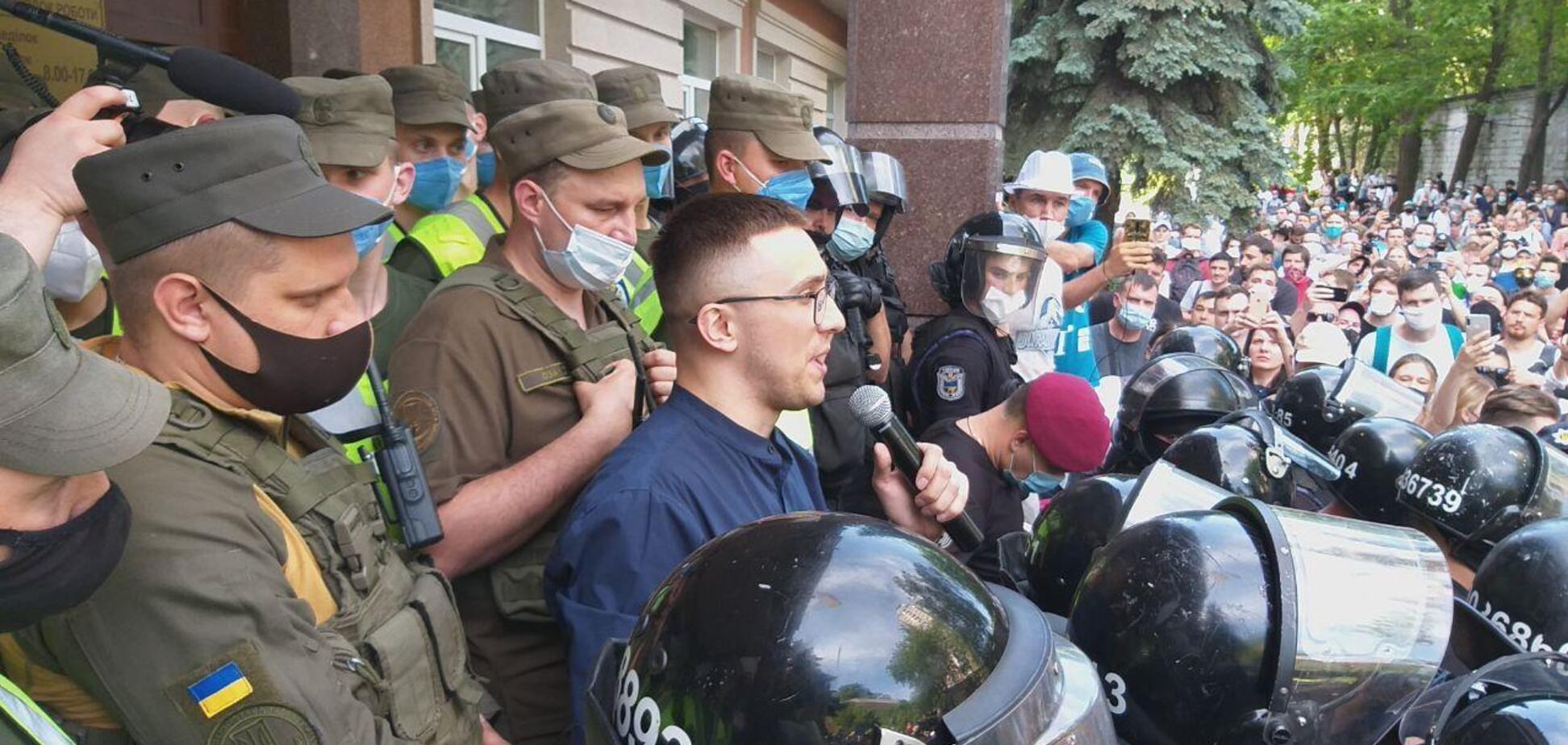 Сергій Стерненко біля Шевченківського райсуду