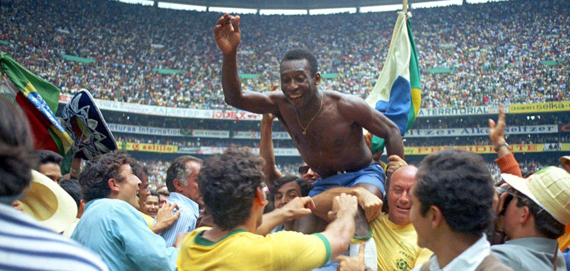 Пеле празднует победу на ЧМ-1970