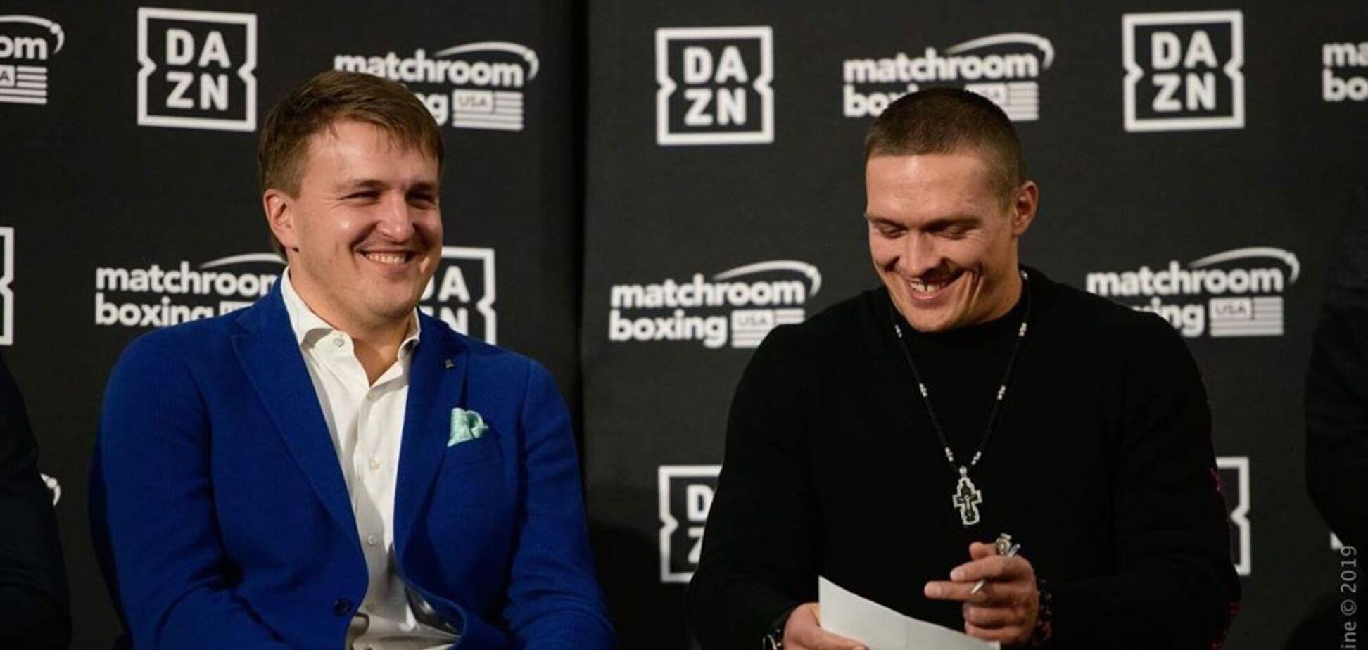 Олександр Красюк та Олександр Усик на прес-конференції