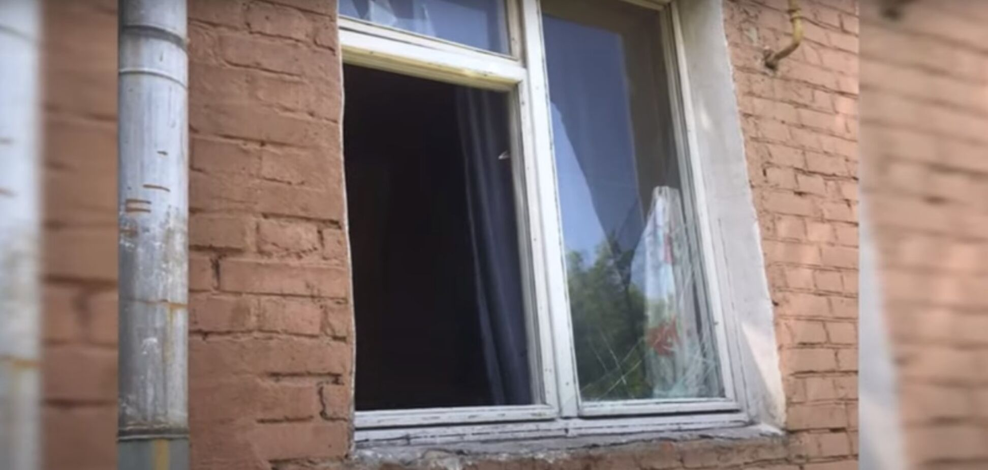 На Киевщине мужчина выбросил из окна ребенка: мальчик в реанимации