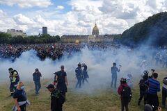 Стычки полиции и радикалов в Париже