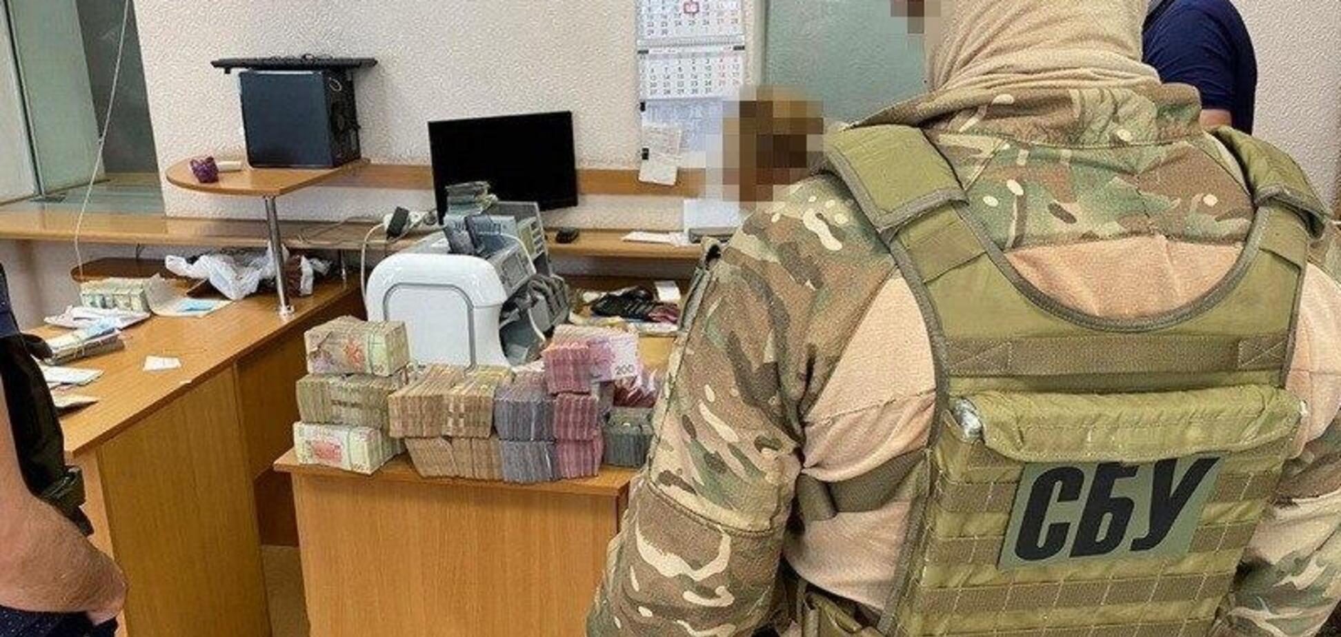 В Одессе накрыли конвертцентр, отмывающий деньги