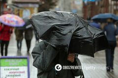 В Киеве затопило улицы и залило переходы в метро: фото и видео непогоды