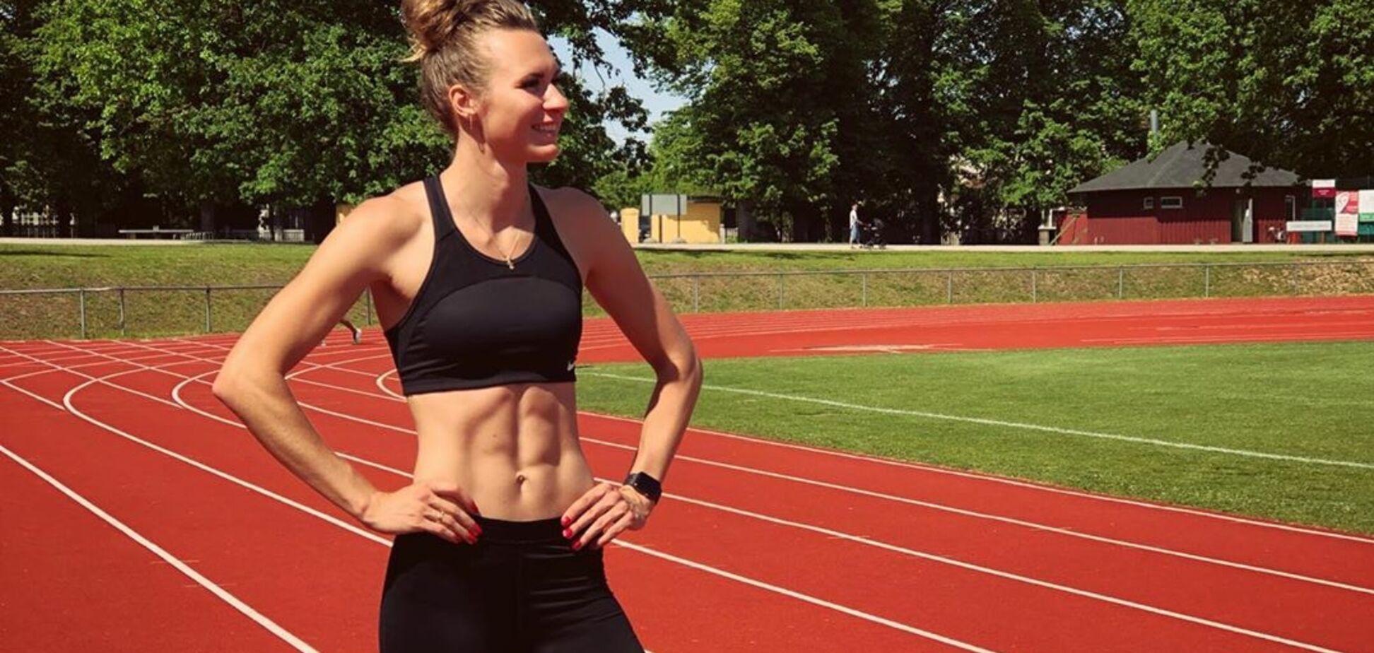 Знаменитая украинская легкоатлетка снялась в купальнике, поразив 'суперфигурой'