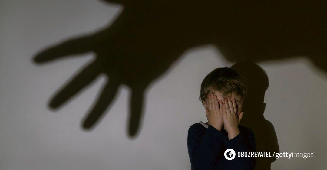 Пьяный отец с ножом набросился на своего 2-летнего сына