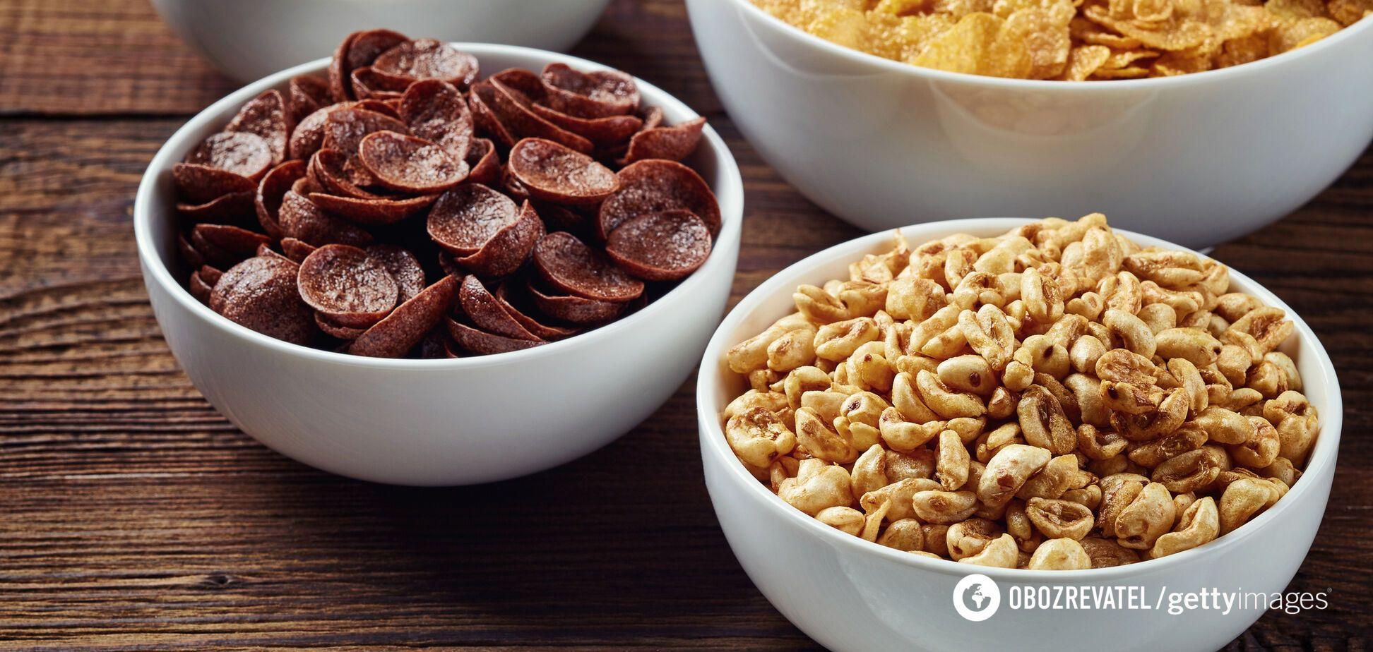 Лучше выбирать сухие завтраки с наименьшим количеством сахара