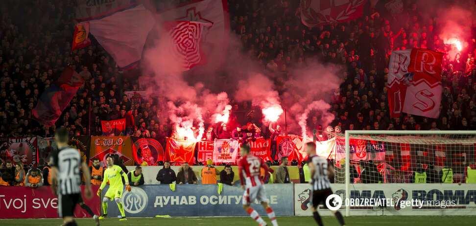 Переповнені трибуни на матчі 'Партизан' - 'Црвена Звезда'
