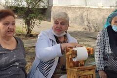У Запорізькій області протестували проти будівництва громадського туалету. Відео