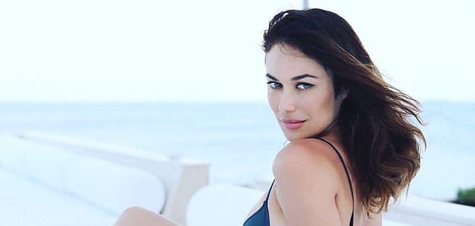 40-річна Ольга Куриленко роздяглася для пікантної фотосесії