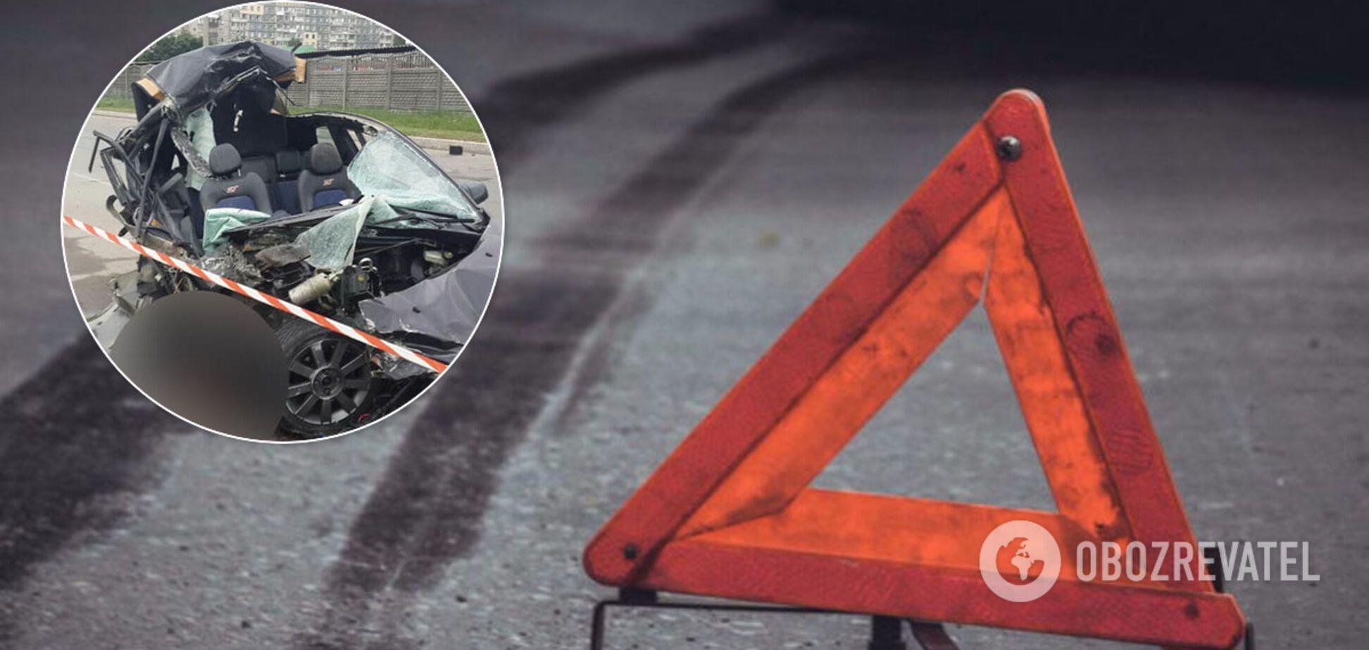 В Днепре превысившее скорость авто разбилось на глазах у полиции: есть жертвы. Фото 18+
