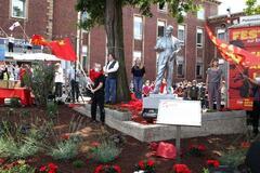 В Германии установили памятник Ленину. Фото
